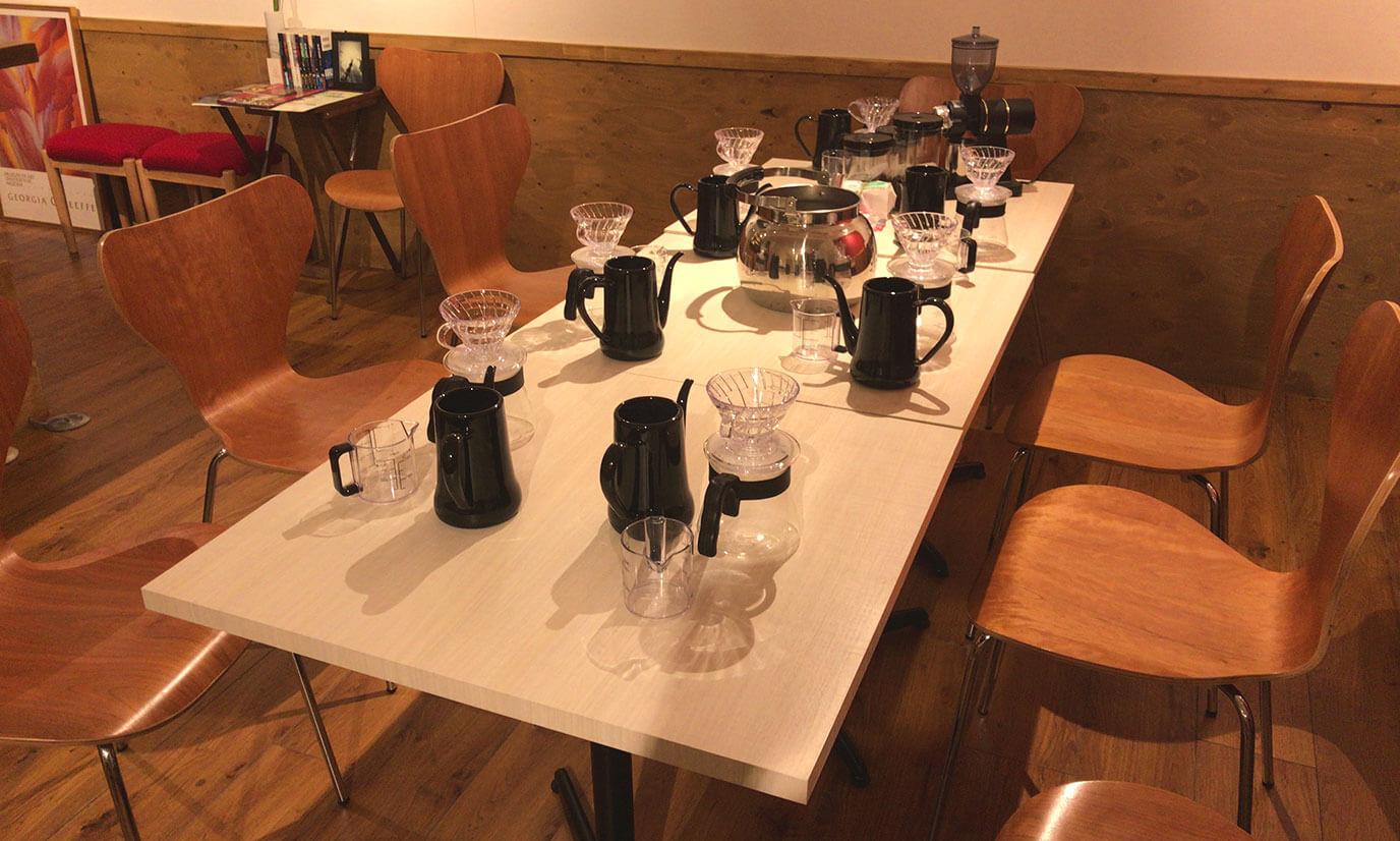 19:00~20:00までとなっていて、コーヒーを今回初めて淹れる方から毎日コーヒーを淹れてる方まで様々な方が参加しており、コーヒーが好きな人ならば初心者・上級者関係なしに気軽に楽しめるイベントとなっています!