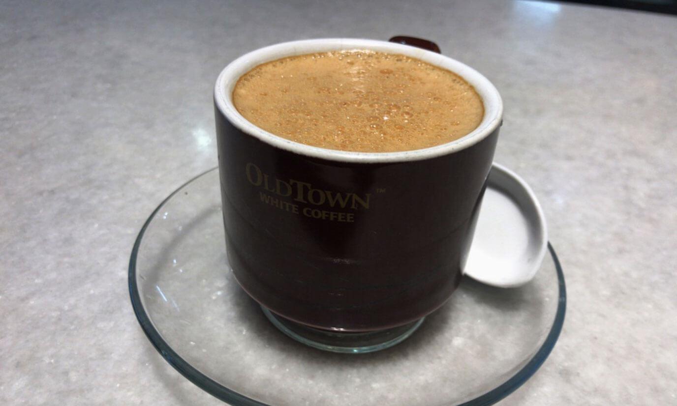早速ホワイトコーヒーを注文